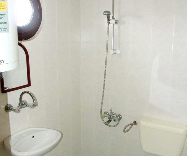 tripple_3_bathroom